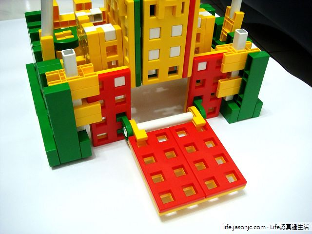 用Lasy積木DIY城堡