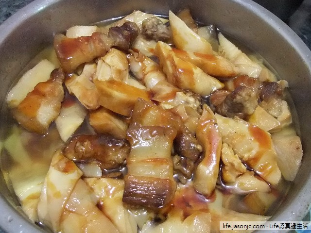 滑嫩肥滋滋的三層肉滷竹筍