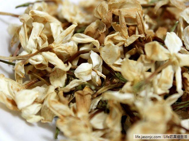 芬芳的素方花(三重秀英花)與堅硬的秋葵子