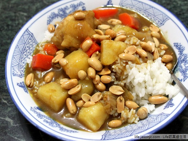 紅蘿蔔馬鈴薯雞肉咖哩飯 搭 青木瓜排骨湯