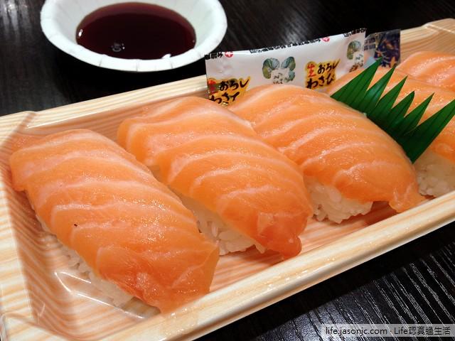 鮭魚壽司和饅魚飯@美麗華百樂園築地魚金 | 台北市中山區