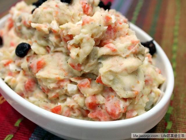 馬鈴薯紅蘿蔔拌微焦肉丁沙拉