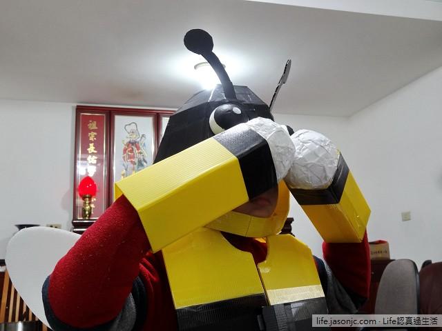 大黃蜂 PK 壞螳螂 | 聖誕親子變裝秀