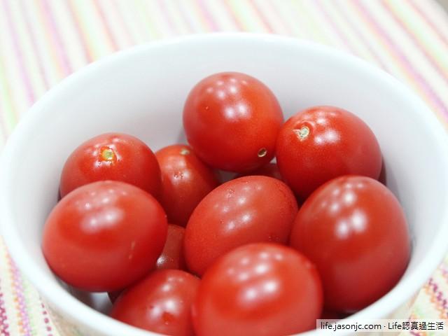 甜美多汁爆漿小番茄